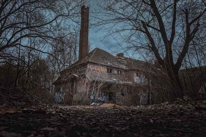 abandoned creepy decay dirty